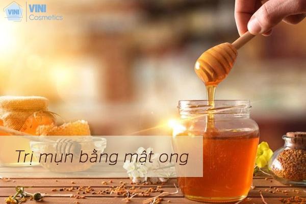 Mật ong cũng là một phương phán dễ dang thực hiện tại nhà để trị mụn