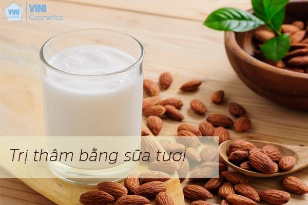 Trị thâm bằng sữa tươi không đường
