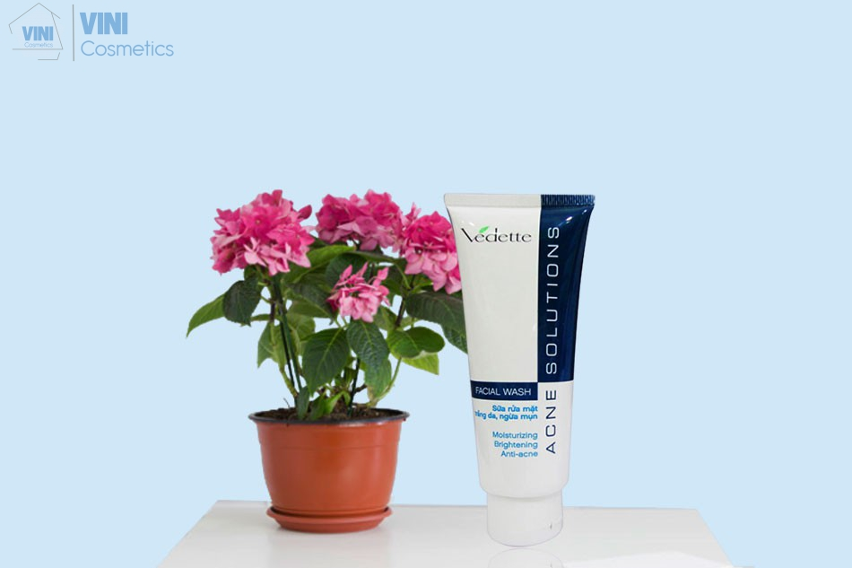 Sữa rửa mặt Vedette Acne Solutions Facial Wash
