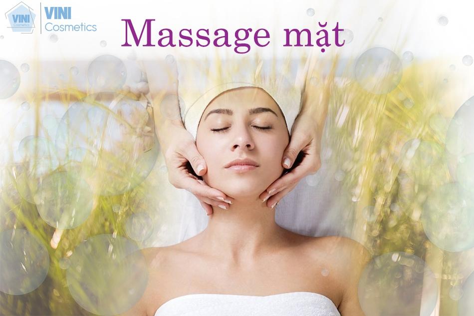Hướng dẫn cách massage mặt tại nhà chuyên nghiệp như tại spa cao cấp
