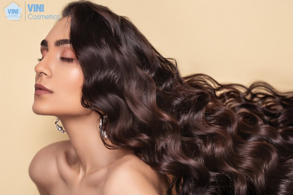 Chứa dưỡng chất Biotin cho sợi tóc bóng mượt, chắc, khỏe. Cải thiện tình trạng tóc khô, xơ rối và dễ gãy rụng.